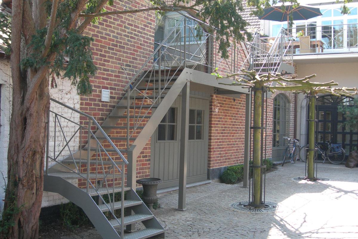 Trap-buiten Van Eeckhoudt